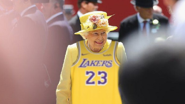 the latest 29a41 2d7db Queen Denies Wearing LeBron James Jersey Is Dig At Trump